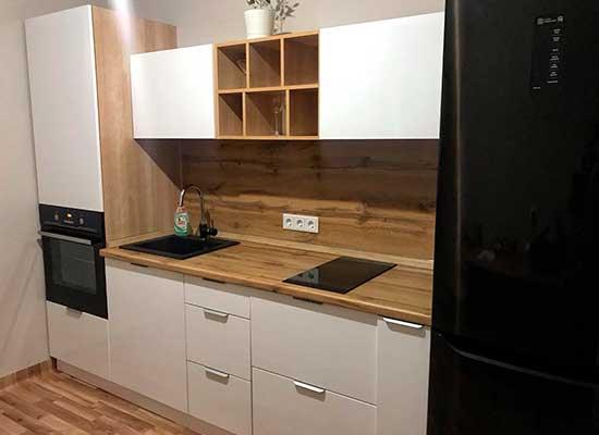 Фото Кухня маленькая белая