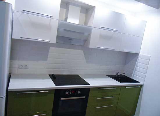 Фото кухня зеленая с белым